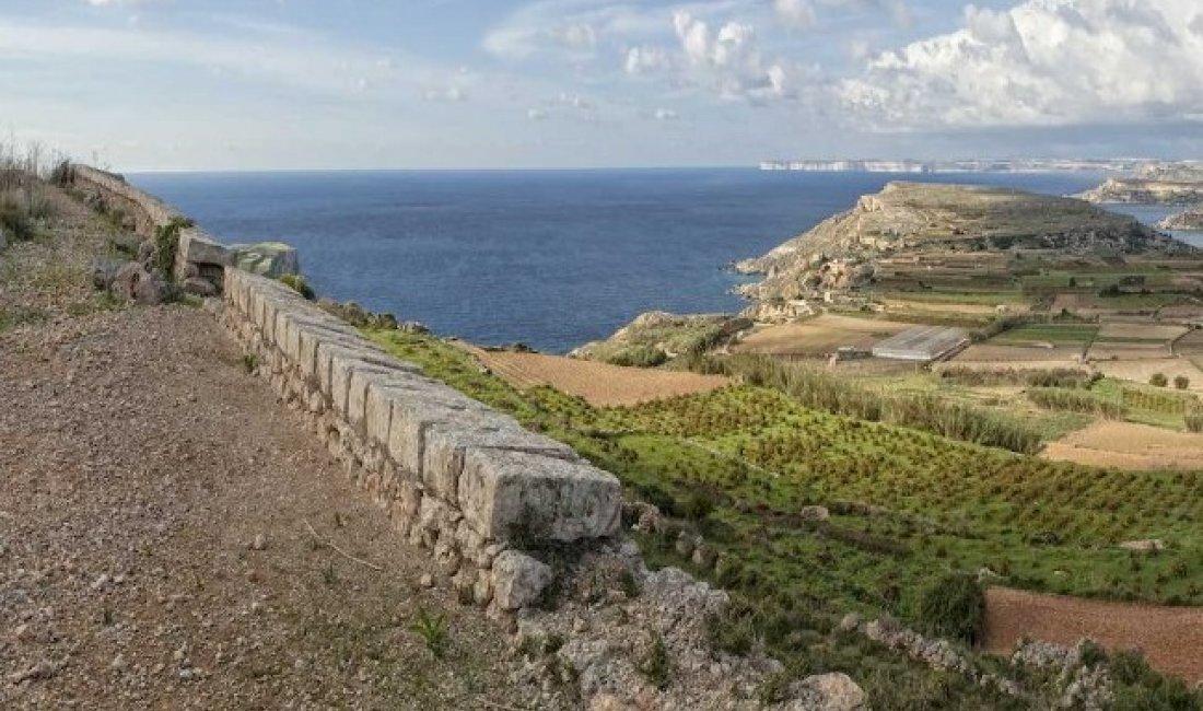 Malta, lungo la grande muraglia