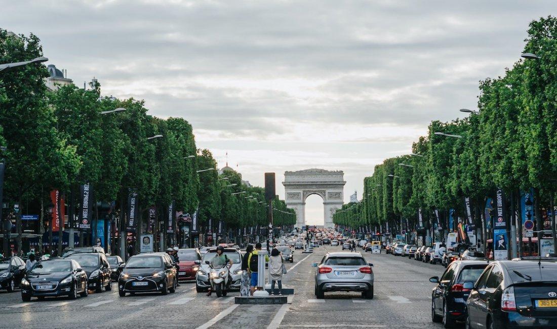 Parigi, l'eleganza degli Champs-Elysées