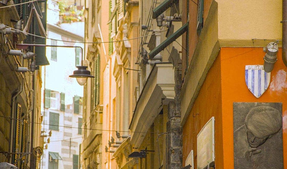 Genova, Via del Campo: omaggio a De André