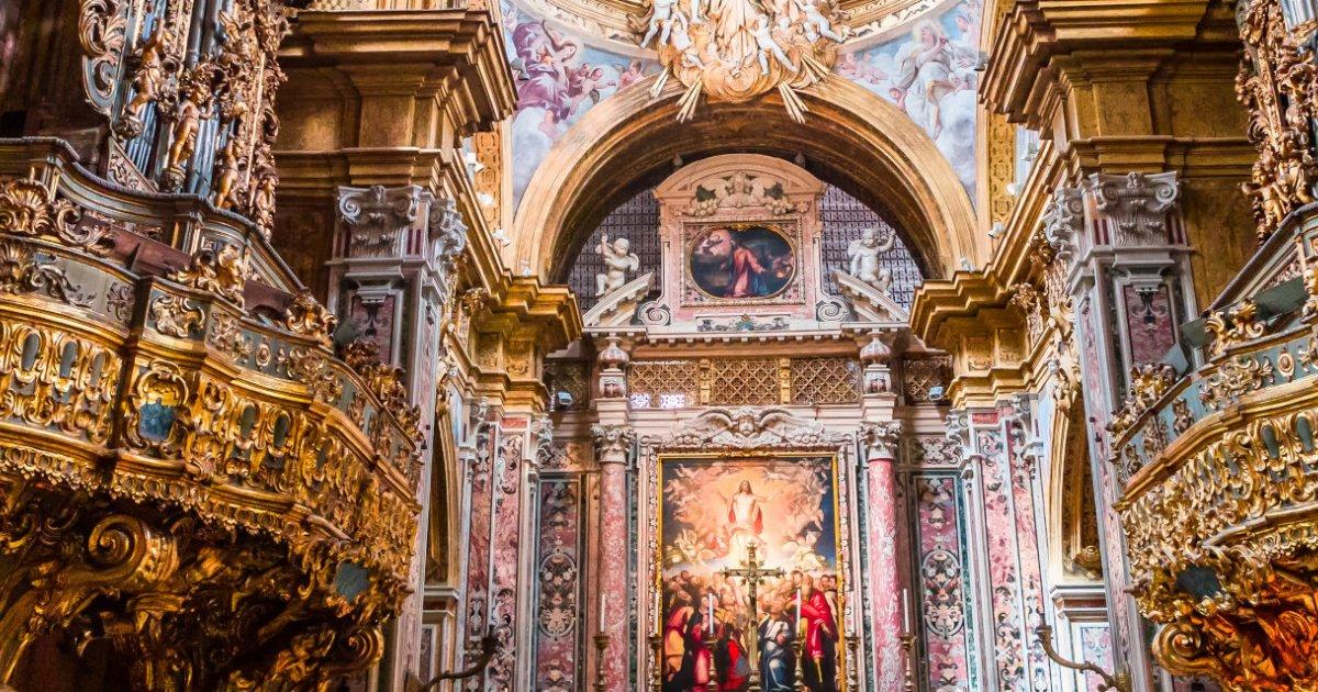 Napoli esoterica: viaggio tra credenze, miti e superstizioni di una città sorprendente | Guide Marco Polo